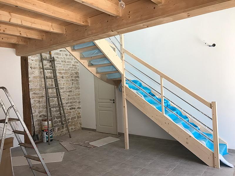 escalier bois maison oleron